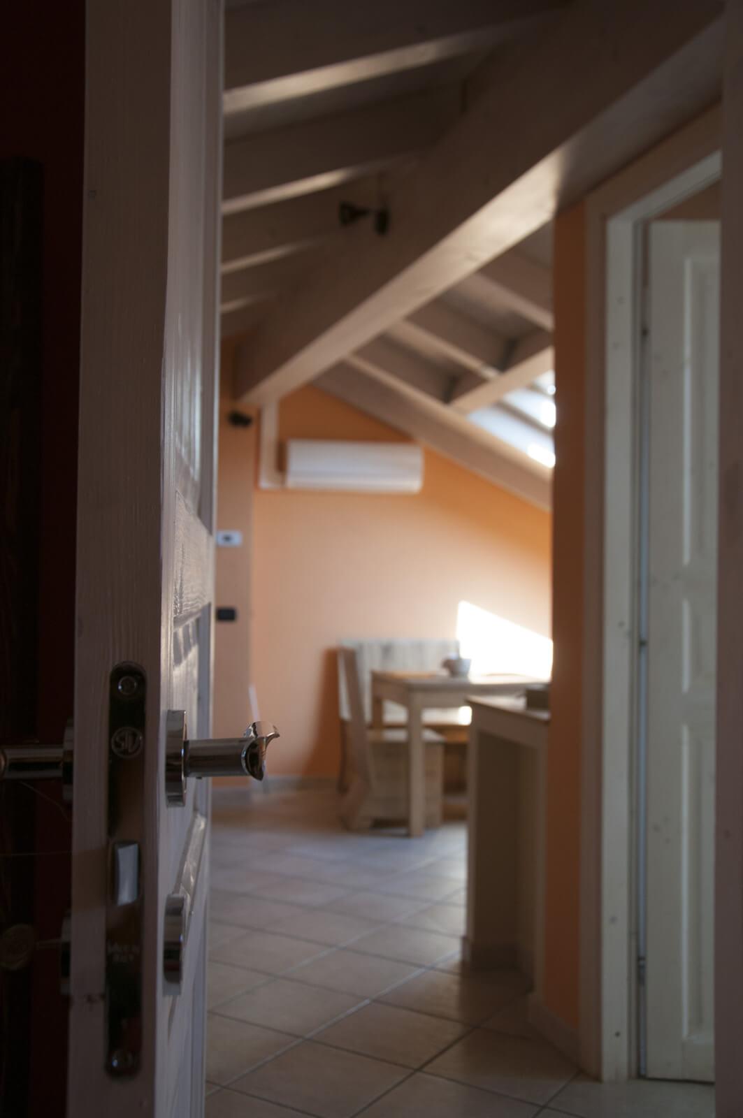 il-guscio-casa-vacanze-appartamento-affitto-momo-novara-lago-maggiore-12