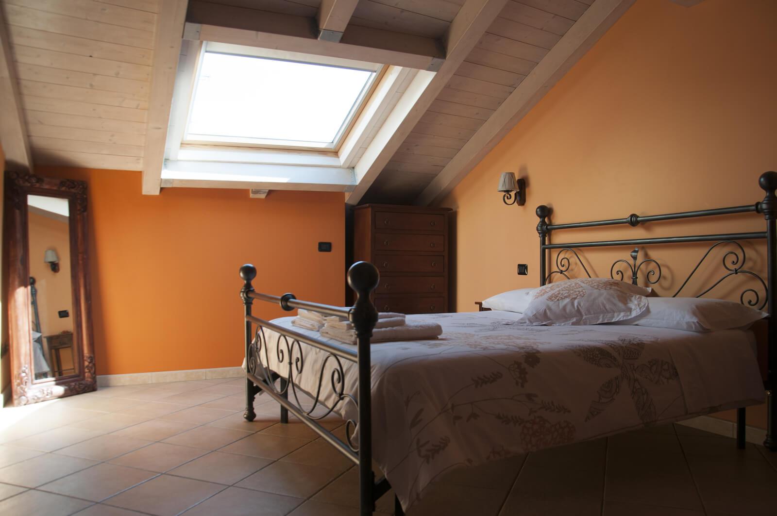 il-guscio-casa-vacanze-appartamento-affitto-momo-novara-lago-maggiore-13