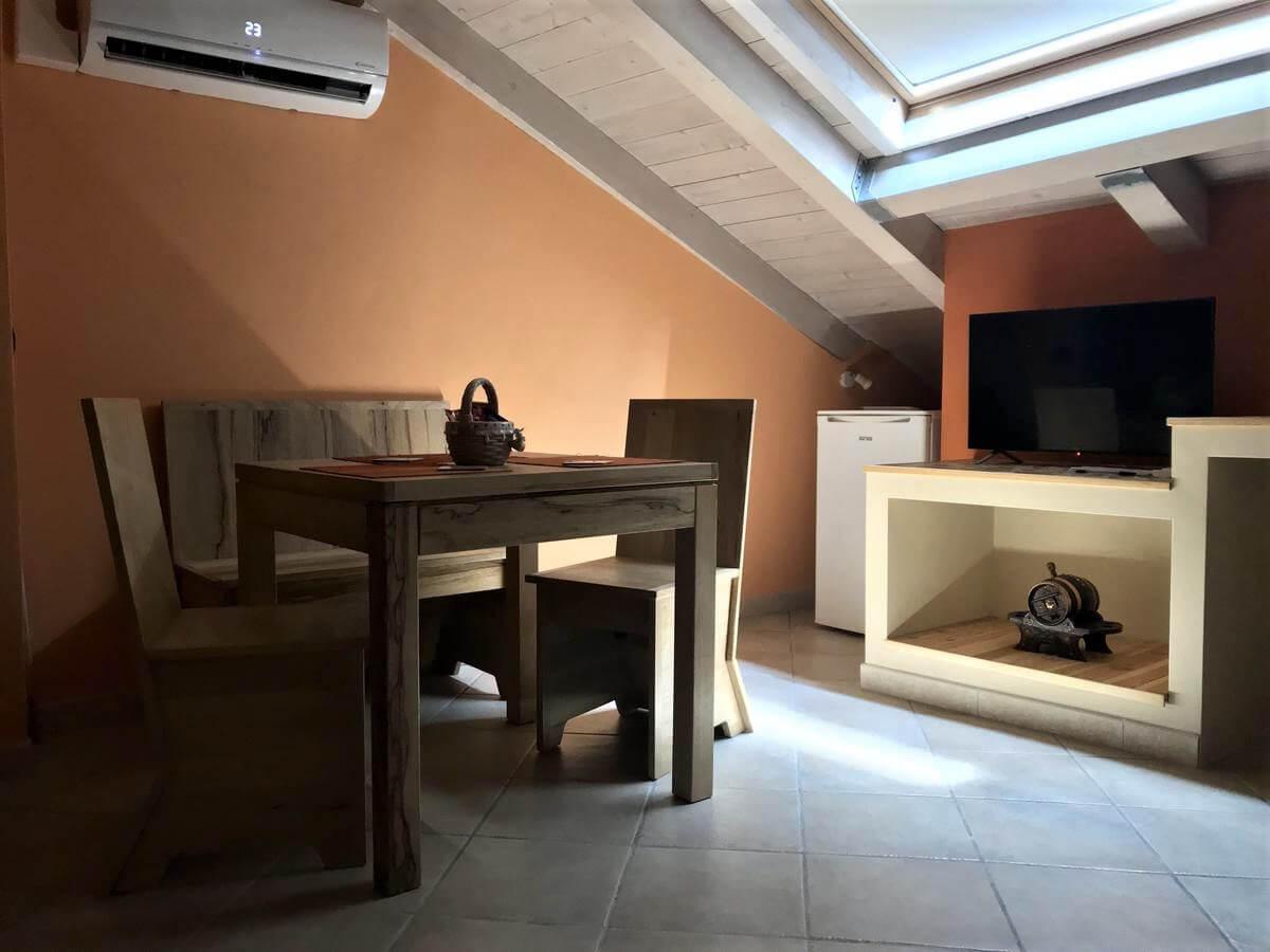 il-guscio-casa-vacanze-appartamento-affitto-momo-novara-lago-maggiore-18
