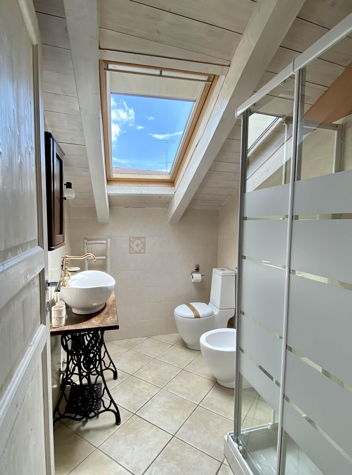 il-guscio-casa-vacanze-appartamento-affitto-momo-novara-lago-maggiore-6