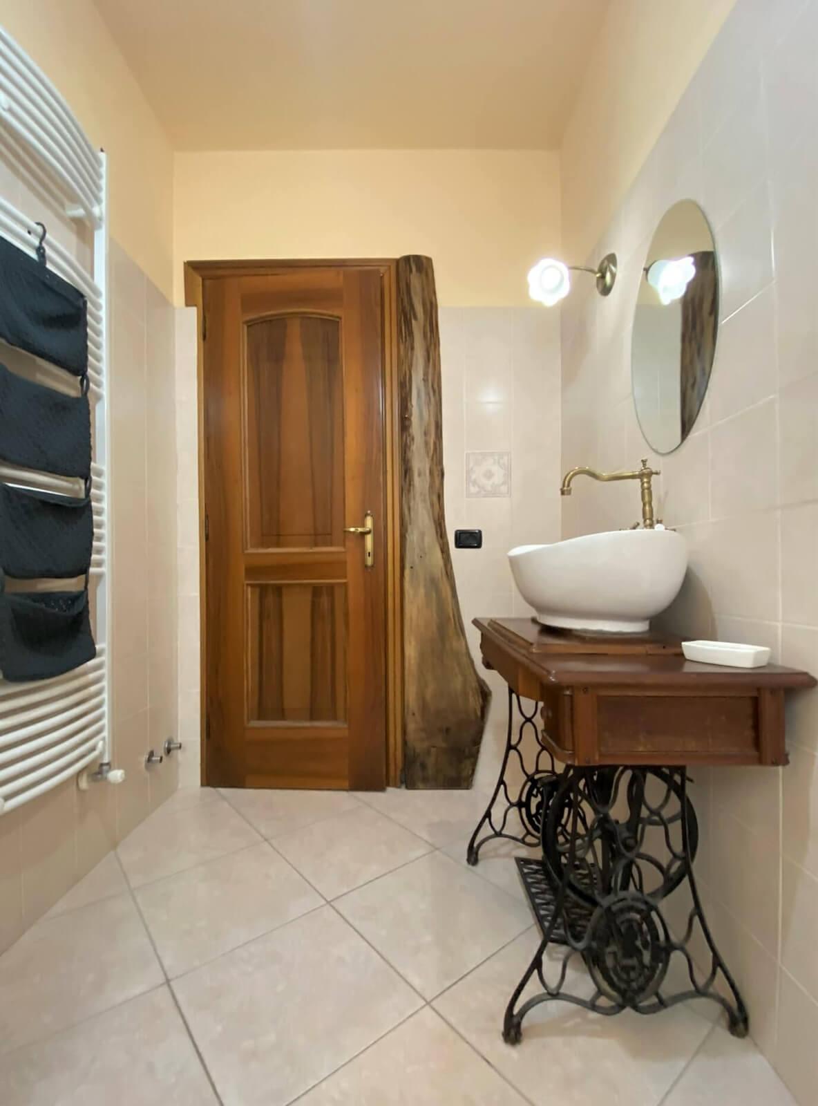 il-sentiero-casa-vacanze-appartamento-affitto-momo-novara-lago-maggiore-10