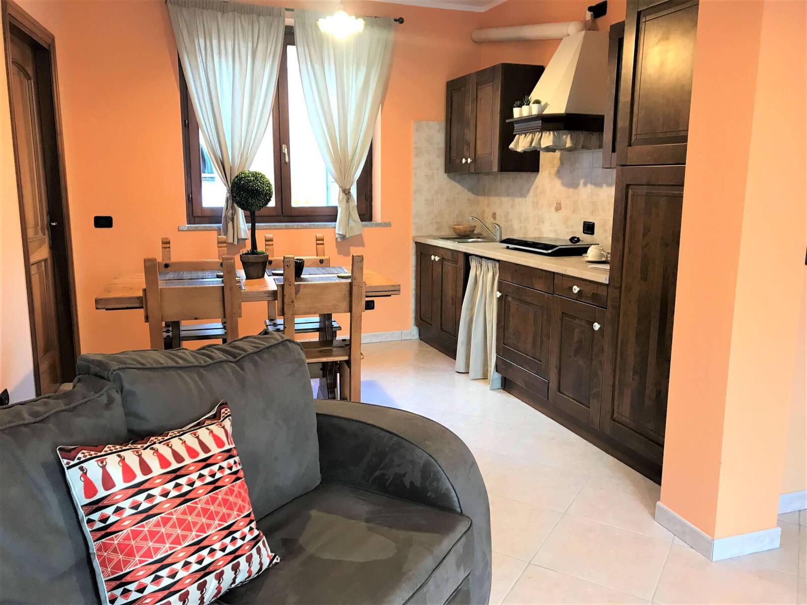 il-sentiero-casa-vacanze-appartamento-affitto-momo-novara-lago-maggiore-15