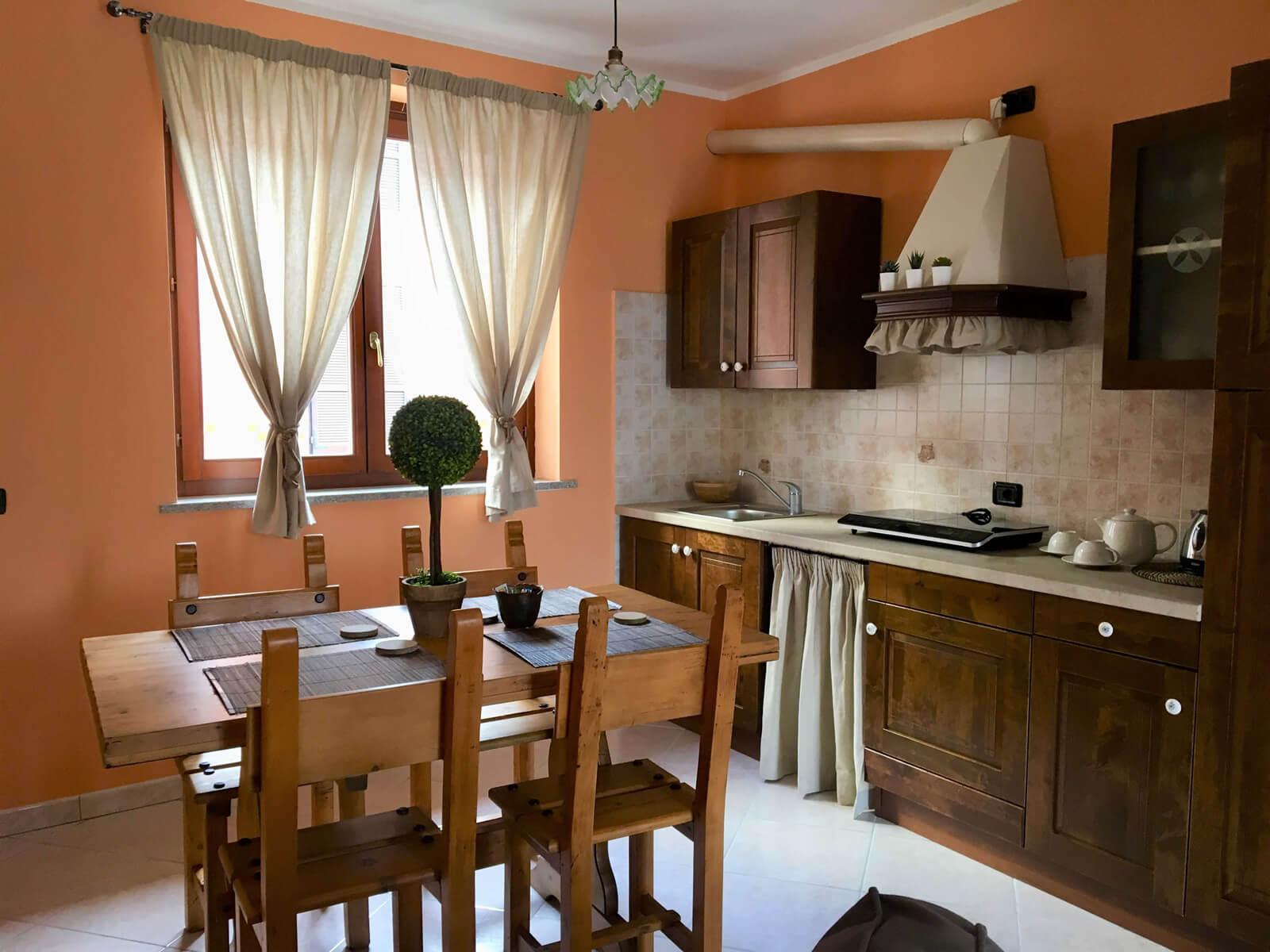 il-sentiero-casa-vacanze-appartamento-affitto-momo-novara-lago-maggiore-4