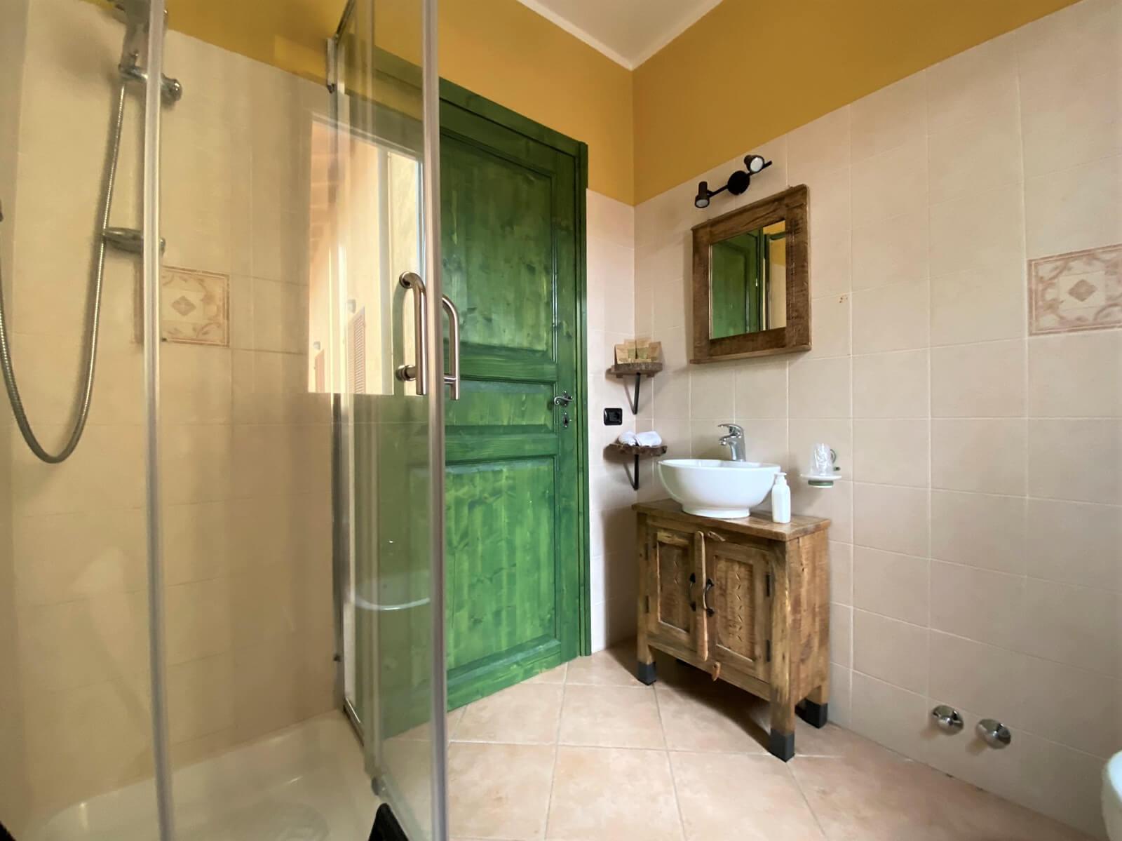 essenza-casa-vacanze-appartamento-affitto-momo-novara-lago-maggiore-13